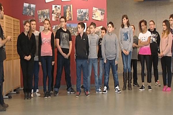 Élèves de 5 ème au collège La Loge des Bois à Senonches.