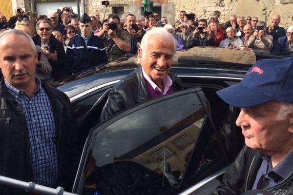 Jean-Paul Belmondo, invité de marque pour l'inauguration de la place Rémy Julienne, à Cepoy dans le Loiret.