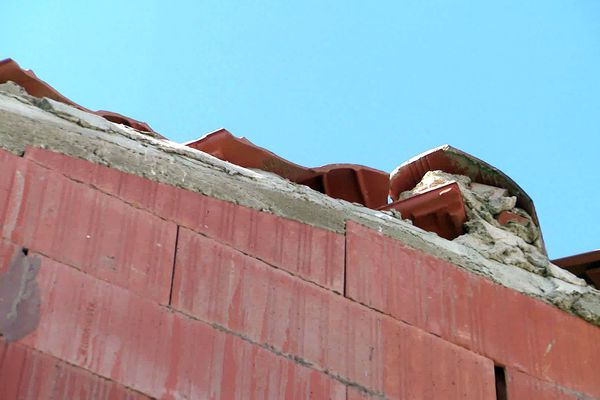 Un toit qui n'en a que le nom et qui ne peut pas être étanche....