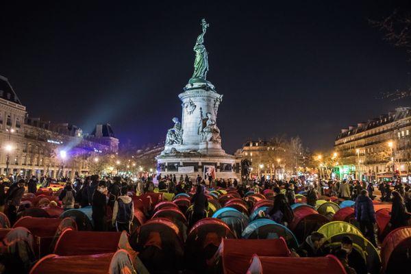 Des tentes de migrants Place de République