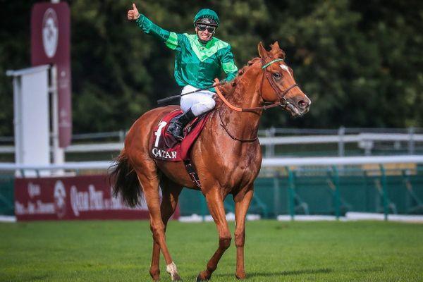 Arrivé 3 ème l'an dernier, cette fois Sottsass a pris les devants et remporte le Qatar Prix de l'Arc de Triomphe 2020. C'était à Longchamp ce dimanche 4 octobre 2020