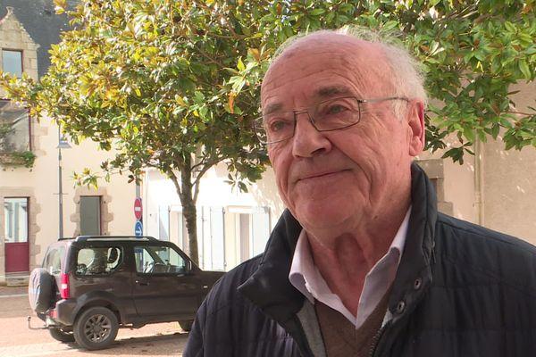 Jean-Pierre Bernard, le maire sortant de Mesquer en Loire-Atlantique, a porté plainte pour avoir reçu une lettre anonyme, le menaçant, lui ou sa famille, de menace de mort