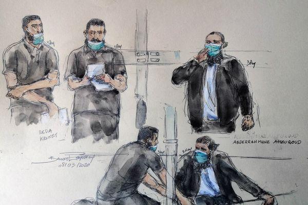 Les accusés Réda Kriket (à gauche) et Abderrahmane Ameuroud (à droite) lors de leur procès, le 8 mars 2021, devant la cour d'assises spéciale de Paris.