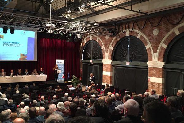 A Brioude, en Haute-Loire, les maires du département ont tenu samedi 19 octobre l'assemblée générale de leur association.