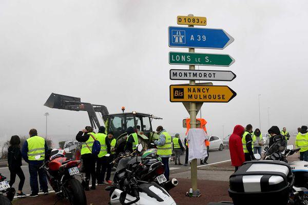 Les manifestations se poursuivent à Lons-le-Saunier, mais pas les blocages.