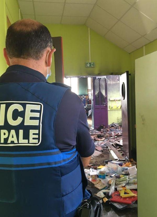 Der durch das Feuer entstandene Schaden wurde von der Stadtpolizei in Monte gemeldet.