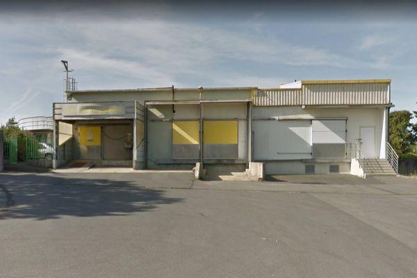 ouvert en 1964, l'actuel abattoir du Faou est aujourd'hui obsolète