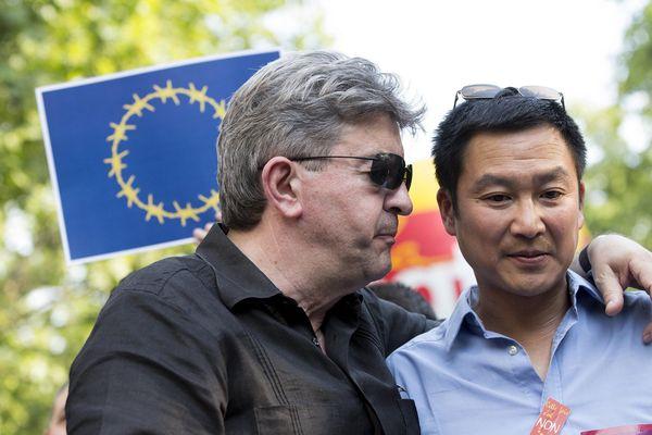Jean-Luc Mélenchon et Liêm Hoang Ngoc conseiller régional NGS et auteur de « Un insoumis devrait dire ça… »