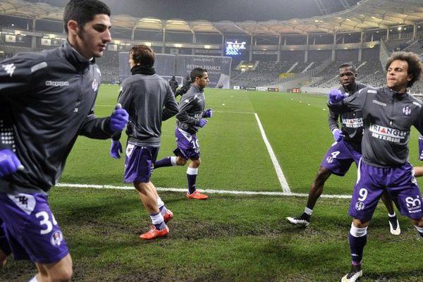 Les joueurs du TFC à l'échauffement avant le match contre Saint-Etienne