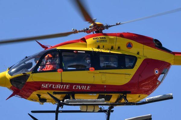 Dimanche 7 juin, l'hélicoptère de la sécurité civile Dragon 63 est intervenu sur les lieux d'un accident de la route à Bromont-Lamothe dans le Puy-de-Dôme.