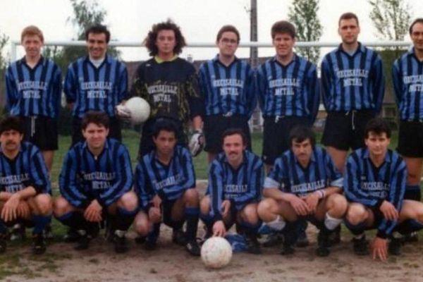 L'équipe du FC Chambly en 1990, à peine un an après sa création.