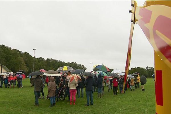 Le 20 octobre 2019, les habitants de Vou et de La-Chapelle Blanche Saint-Martin ont bravé la pluie pour réaffirmer leur opposition à ce projet d'éoliennes.