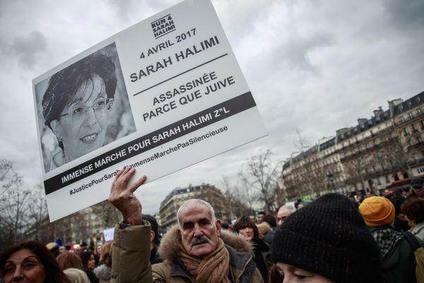 Sarah Halimi a été rouée de coups par un homme musulman qui récitant des versets du Coran avant de la jeter par-dessus le balcon de leur HLM de Belleville.