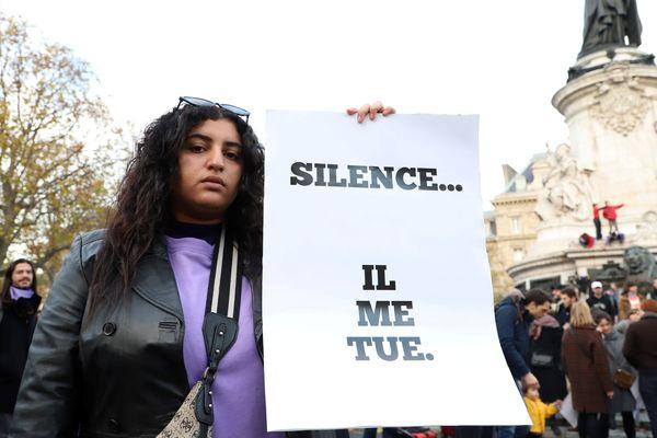 En France, les jeunes femmes sont victimes de violences conjugales qu'elles taisent le plus souvent par méconnaissance de leur droit