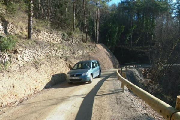 La piste est construite à partir de troncs de châtaigniers.