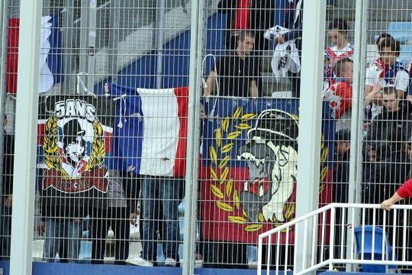 22/11/14 - Ligue 1 - Bastia/Lyon, le parcage des supporters lyonnais
