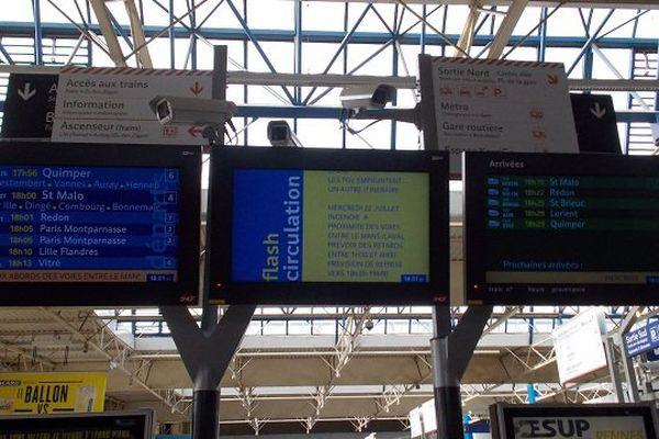 Un message d'information pour prévenir les voyageurs suite aux incendies de talus qui perturbent la circulation des trains