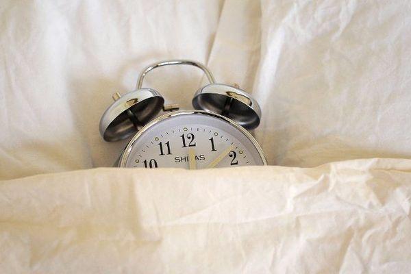 Attention à bien mettre à l'heure vos réveils !