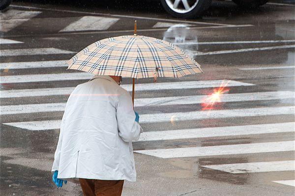 Illustration. Des pluies sont attendues dans la journée en Bourgogne-Franche-Comté, après un épisode caniculaire d'une semaine.