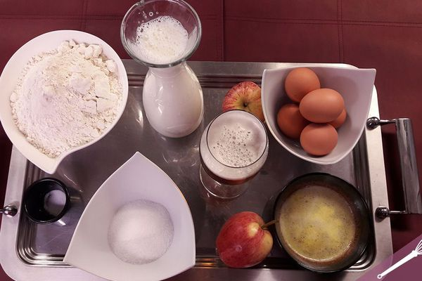 Les ingrédients des crêpes et crêpes soufflées aux pommes