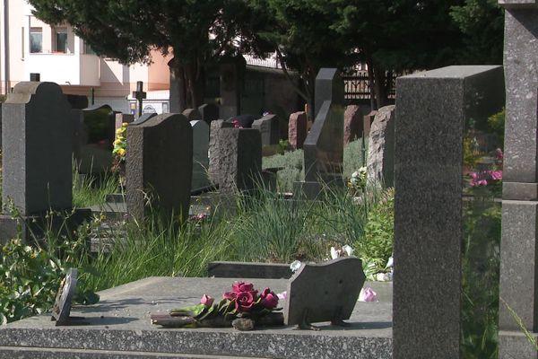 Cinq actrices pour incarner cinq femmes remarquables enterrées au cimetière de la Robertsau, c'est la rencontre entre celles du dessus et celles du dessous, une balade théâtrale proposée ce dimanche à l'occasion des journées européennes du patrimoine