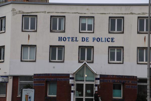 """Le commissariat de Dunkerque est passé en mode """"dégradé"""", alors que 58 policiers ont été testés positifs au Covid-19."""