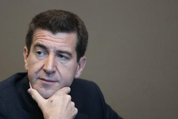 Déjà président des Eurockéennes de Belfort, le banquier est également propriétaire de très nombreux médias, des Inrocks à Nova.