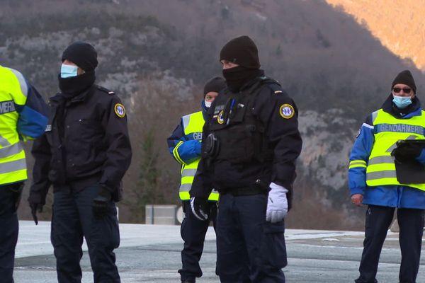Les gendarmes étaient mobilisés ce samedi 26 décembre 20 à la frontière espagnole pour contrôler les Français partis skier.