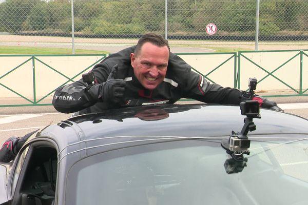 Marko König avant le départ de la Porsche.