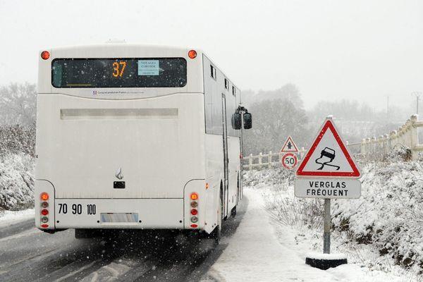 Le Cantal est actuellement en vigilance jaune météorologique en raison d'un risque neige-verglas et grand froid.