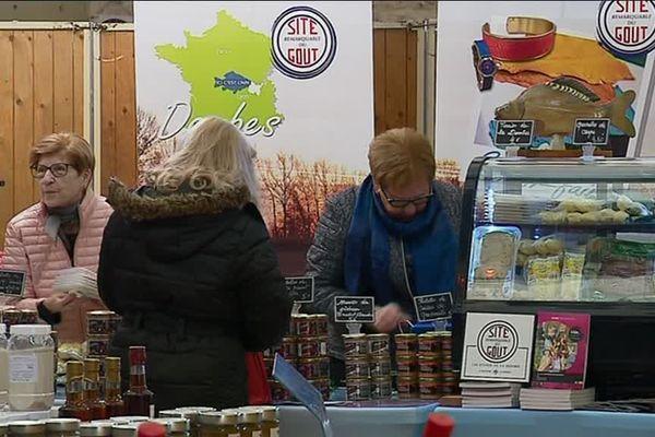 Les stands du Salon des sites remarquables du goût à Segonzac en Charente.