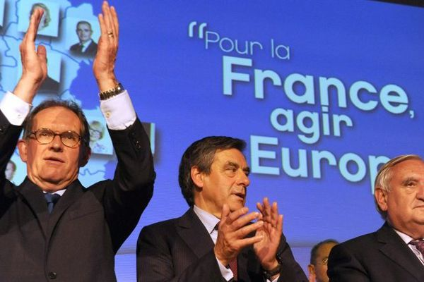 Alain Cadec, aux côtés de François Fillon et Jean-Pierre Raffarin