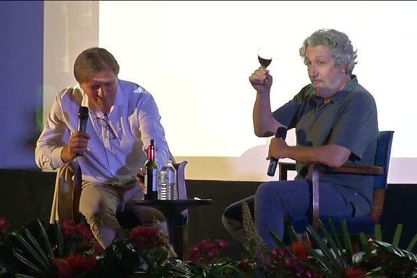 Alain Chabat a donné une master class d'une heure lors de la première journée des Vendanges du 7e Art. Il en a profité pour déguster un vin rouge du Médoc !