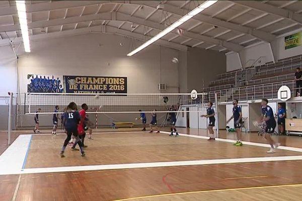 Le gymnase du Piencourt a accueilli la reprise de l'entraînement de l'escouade lozérienne qui débute un nouveau chapitre de son histoire dans le monde pro.