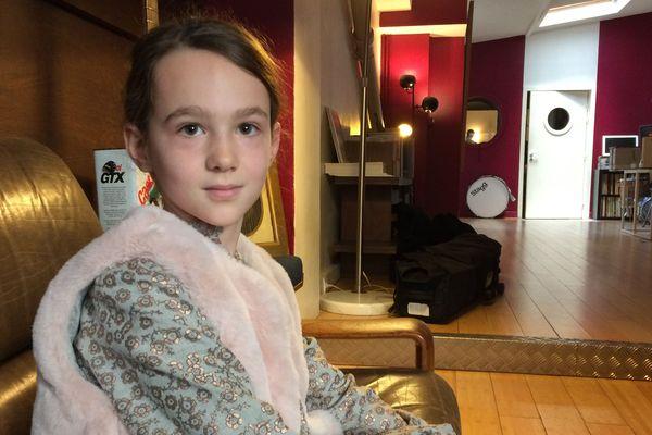 Ava, 9 ans, est l'une des deux voix choisies par la RATP.