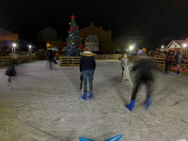 La patinoire est ouverte sur le quai des Glaces dès le 22 novembre.