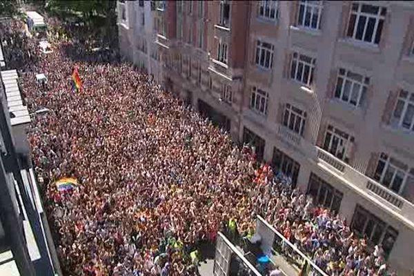 Dans les rues de Lille, quelque 9000 à 10 000 personnes samedi 6 juin pour la Gay Pride