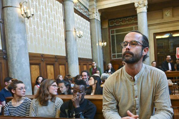 Le militant Cédric Herrou rejugé en appel à Lyon : l'arrêt en délibéré au 15 avril (11/03/20)