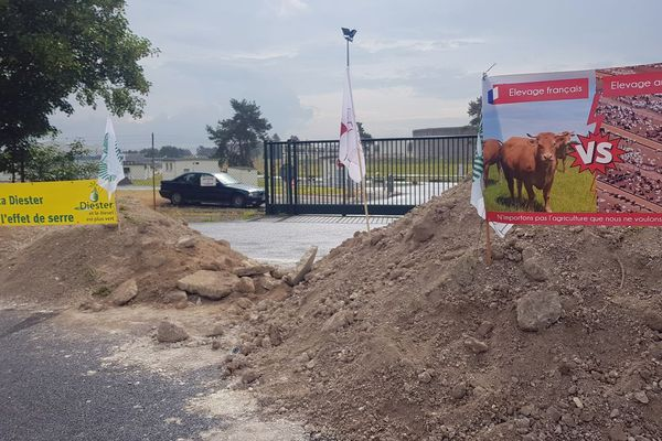 Les agriculteurs bloquent le dépôt de carburant de Vatry depuis le 10 juin 2018