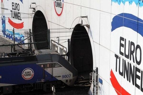 19 ouvriers intoxiqués au monoxyde de carbone alors qu'ils changeaient des rails dans le tunnel sous la Manche dans la nuit de samedi à dimanche
