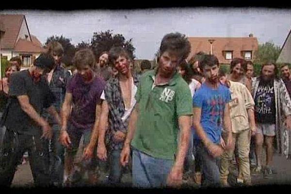 Tournage d'un film de zombies à Cormelles-le-royal, 17 août 2013