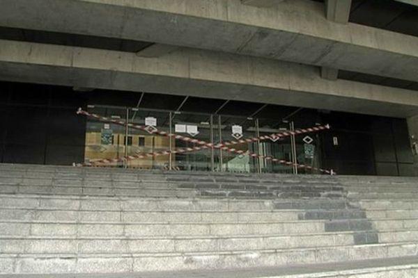 Le palais de justice de Caen qui abrite la Cour d'Appel est fermé jusqu'à nouvel ordre