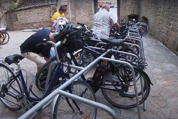 Capture d'une vidéo d'Altinnova, le fabriquant des parcs à vélo installés au Mont-Saint-Michel