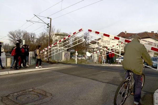 Passage à niveau de Ville-la-Grand en Haute-Savoie