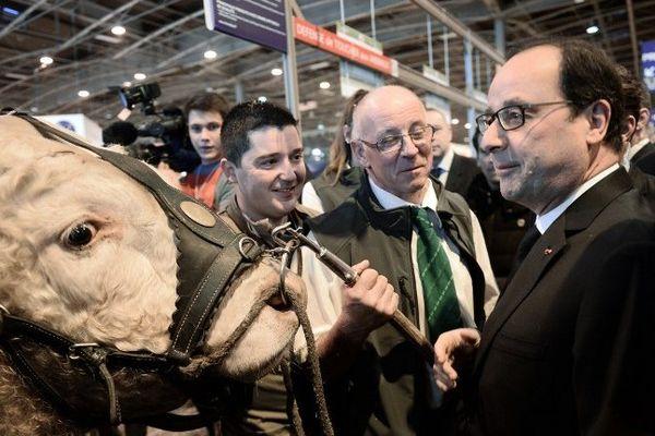 François Hollande a inauguré samedi 21 février le 52e Salon Internationa de l'Agriculture à la Porte de Versailles, à Paris.
