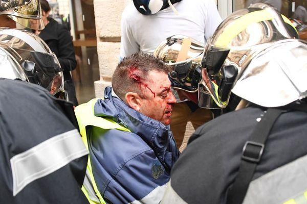 Olivier Beziade a été victime d'un tir de LBD-40 dans la tête