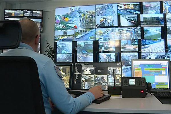 Tours est actuellement surveillée par 110 caméras réparties dans la ville.