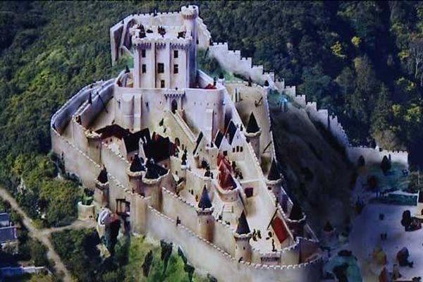 le Château de Lavardin au 11ème siècle : la plus grosse forteresse du Haut Vendômois (2 hectares 1/2)