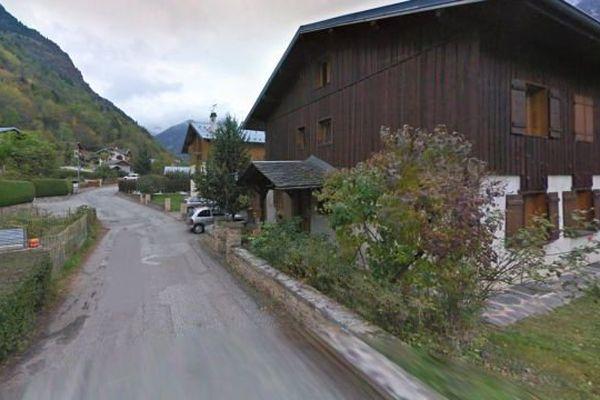 L'accident s'est passé vers 19h30, rue de la Vanoise, dans le village de Bozel