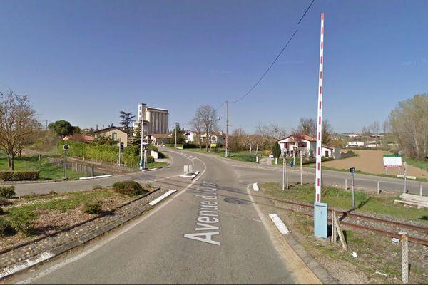 Le passage à niveau N°23 à Beaumont-de-Lomagne
